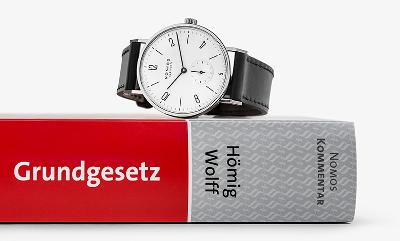 Eine NOMOS Uhr für 70 Jahre Grundgesetz