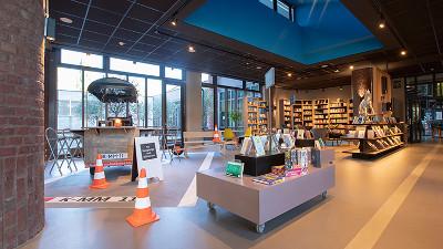 Neue Stadtteilbibliothek Köln-Kalk erweitert als inspirierender Dritter Ort  die Öffnungszeiten mit open+