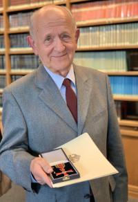 Bundesverdienstkreuz an Dr. Peter Kapitza