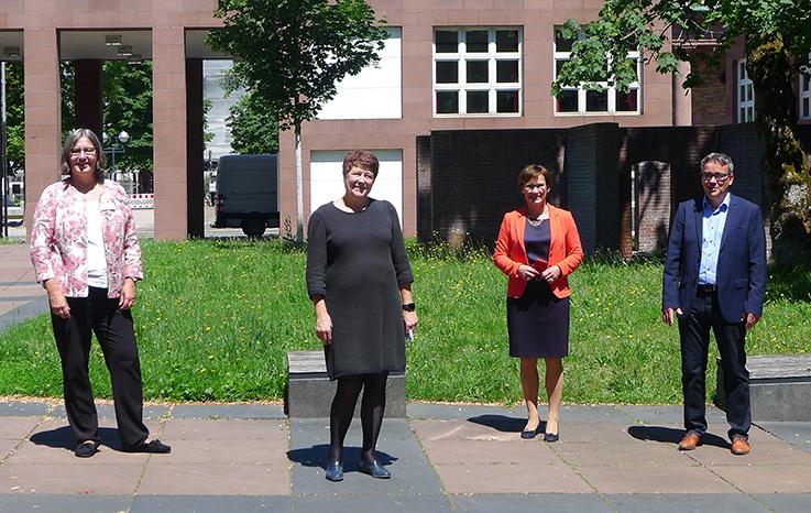 Sabine Kurtz MdL und Julia Philipp MdL zu Besuch in der BLB