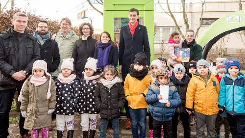 Neuköllns Bezirksbürgermeister Martin Hikel unterstützt frühe Sprachförderung
